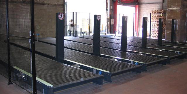 Installation quai de dechargement Convoyeur de palettes